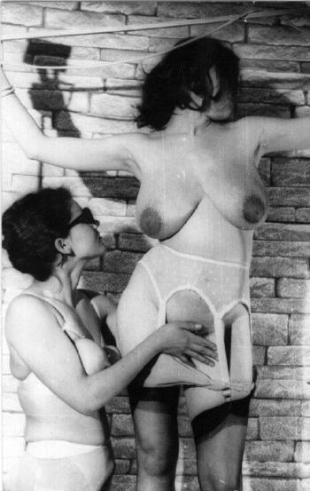 retro-sex-lesbian-fun